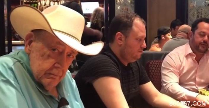 Gus Hansen晒扑克教父Doyle Brunson打牌的照片
