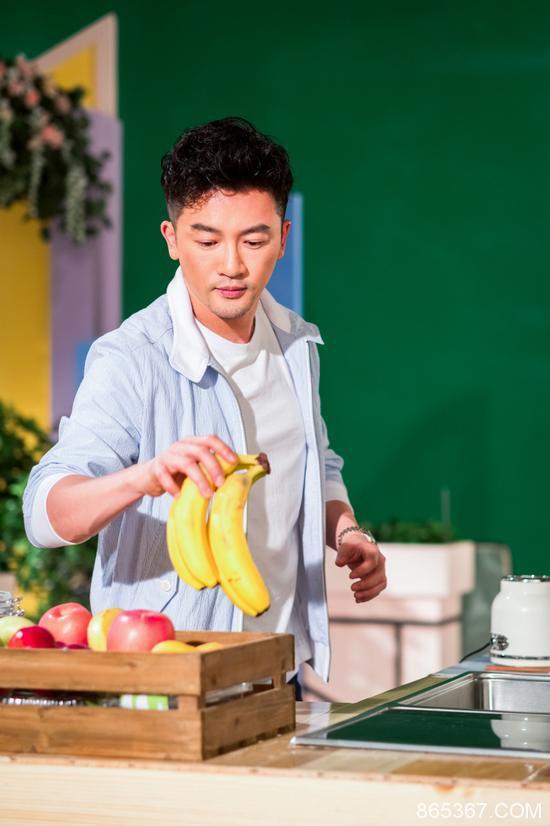 """苏有朋惊喜加盟《中餐厅》第二季  搭档赵薇重现""""还珠CP"""""""