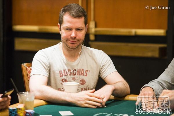 JonathanLittle谈扑克:如何在深筹码时游戏最小暗三条