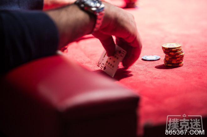 扑克策略:在无限德州扑克中利用阻断牌