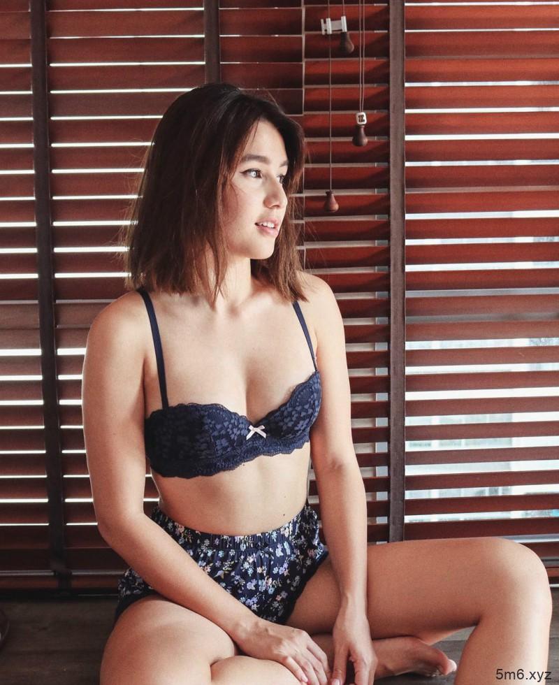 新加坡正妹Saffron Sharpe 气质美女笑容甜美迷人