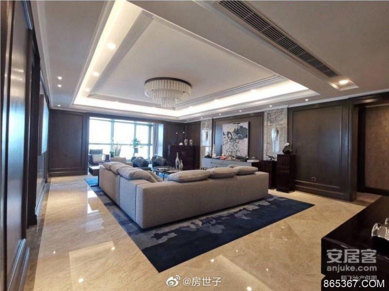 李佳琦是怎么红的?李佳琦1.3个亿买上海顶楼复式豪宅